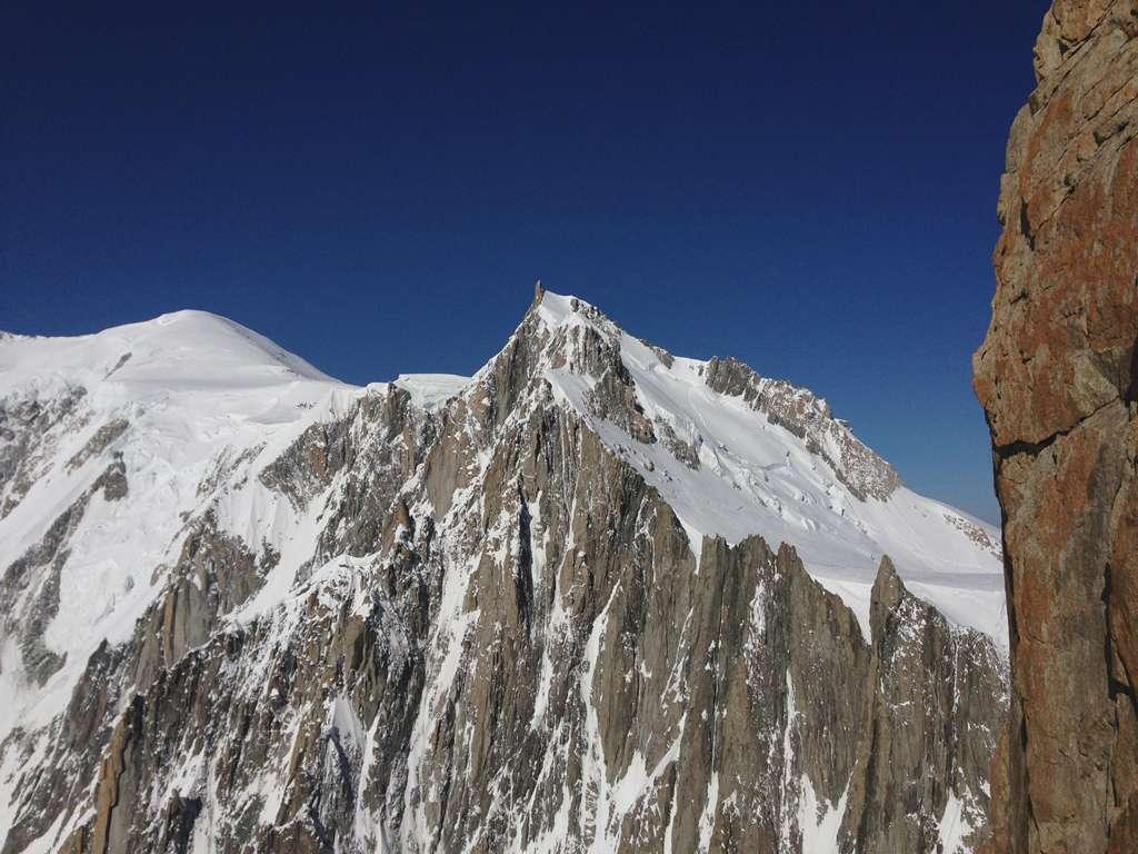 La parete Est del Mont Maudit e le sue mille goulottes!