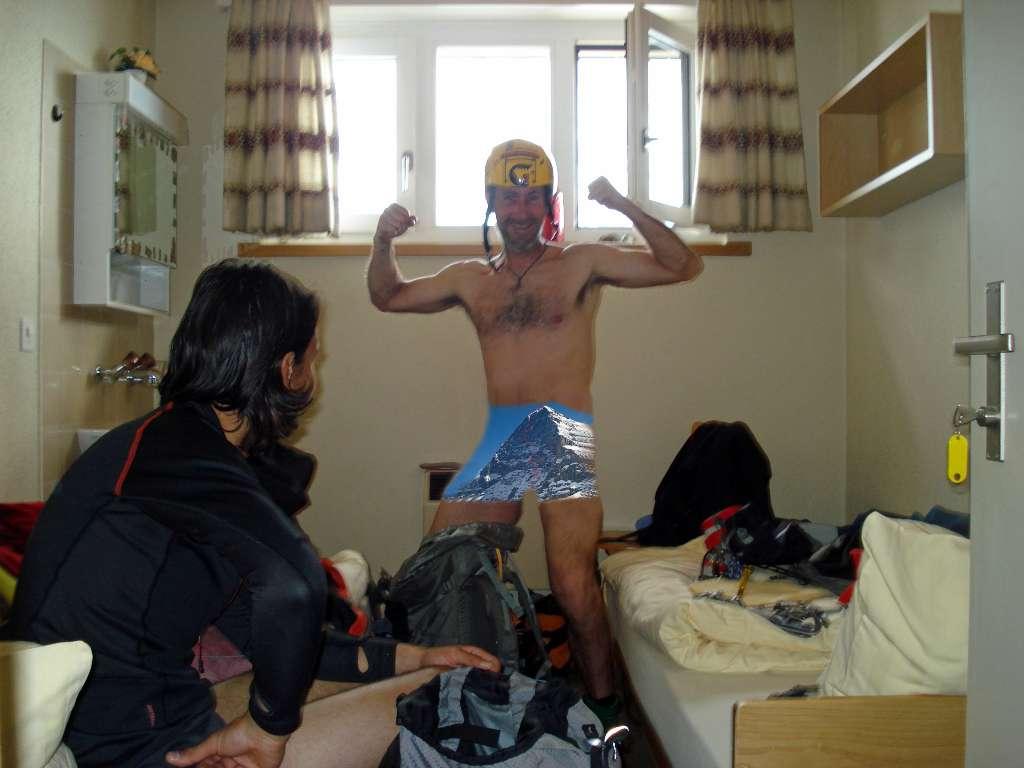 Bermuda new age...Gian è decisamente un precursore delle nuove mode di abbigliamento alpinistico