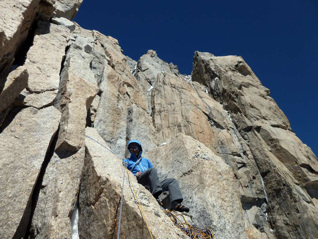 Sui tiri superiori, la roccia rimane da urli.