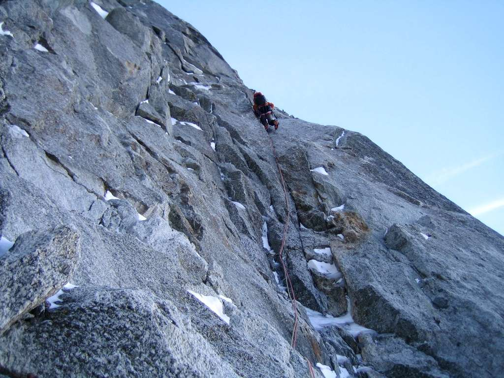 Il secondo tiro della sezione di roccia richiede più attenzione...bisogna scalare