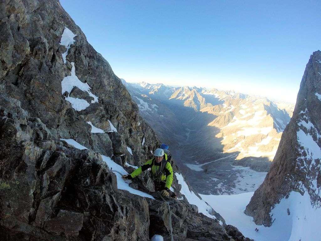 Andrea sullo sperone che porta al Gran Pic.
