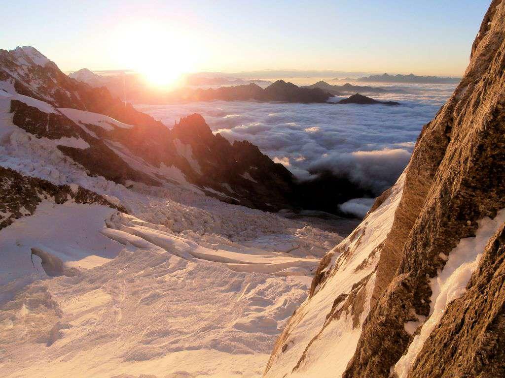 L'alba sul ghiacciaio della Brenva, uno spettacolo!!!