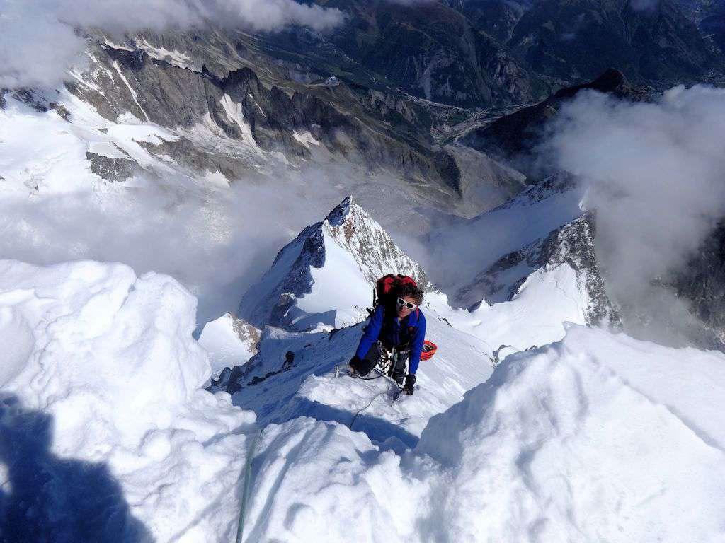 Max in uscita sulla cornice del monte Bianco di Courmayeur