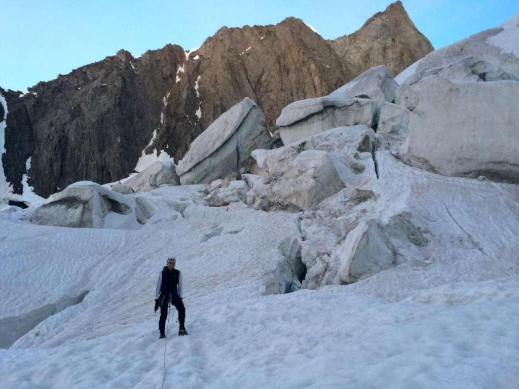 Attraversando il ghiacciaio inferiore di Freney.