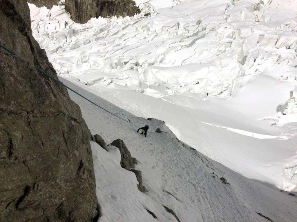 In discesa verso il ghiacciaio del Brouillard.