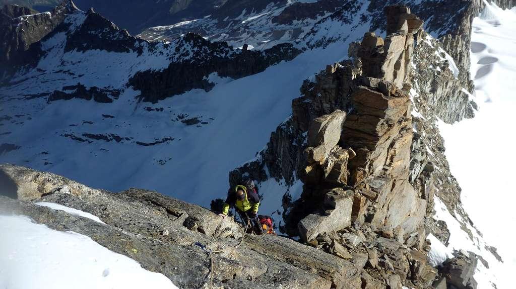 Ultimi torrioni prima della cima della Montandayné