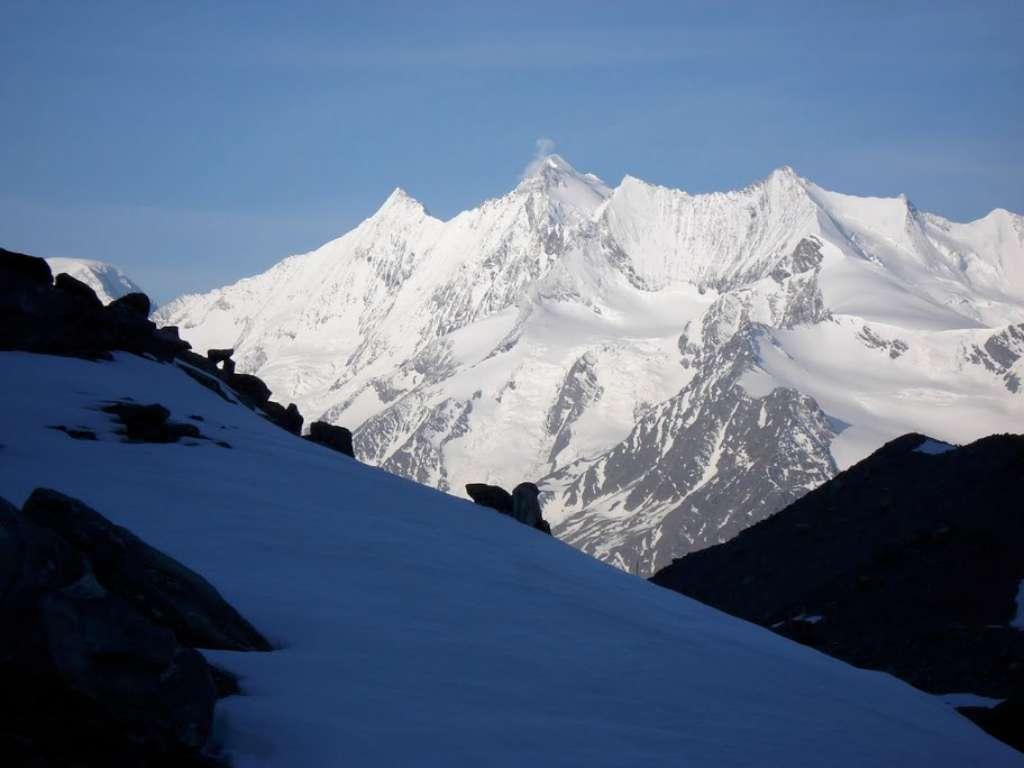 Fantastico panorama sui 4000 del Vallese durante la salita al Fletschorn