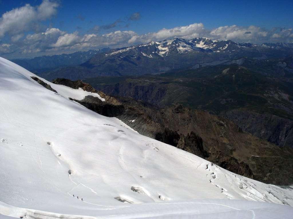 sul ghiacciaio che conduce alla Breche che dà accesso al versante Sud.