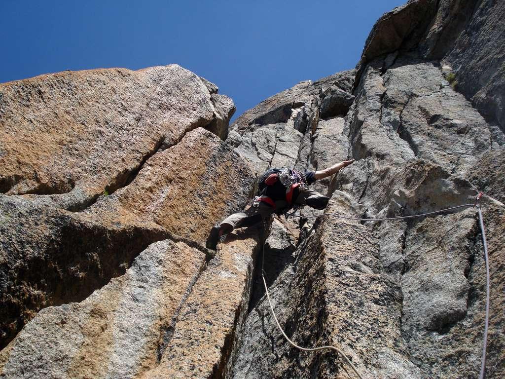 Enrico sullo spettacolare granito del torrione sommitale!!! Sembra di scalare sul calcare...