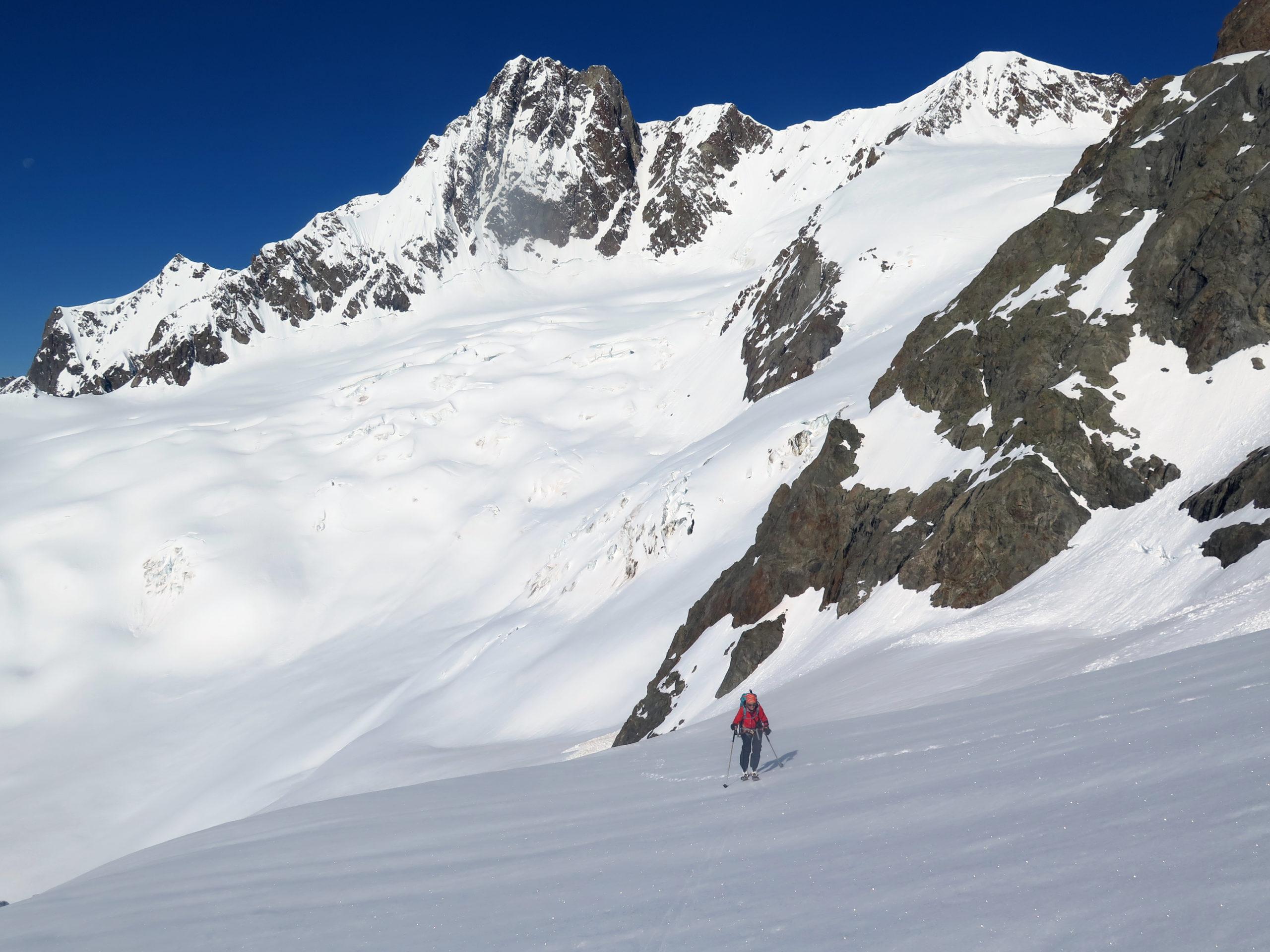 L'aiguille de Glacier sullo sfondo