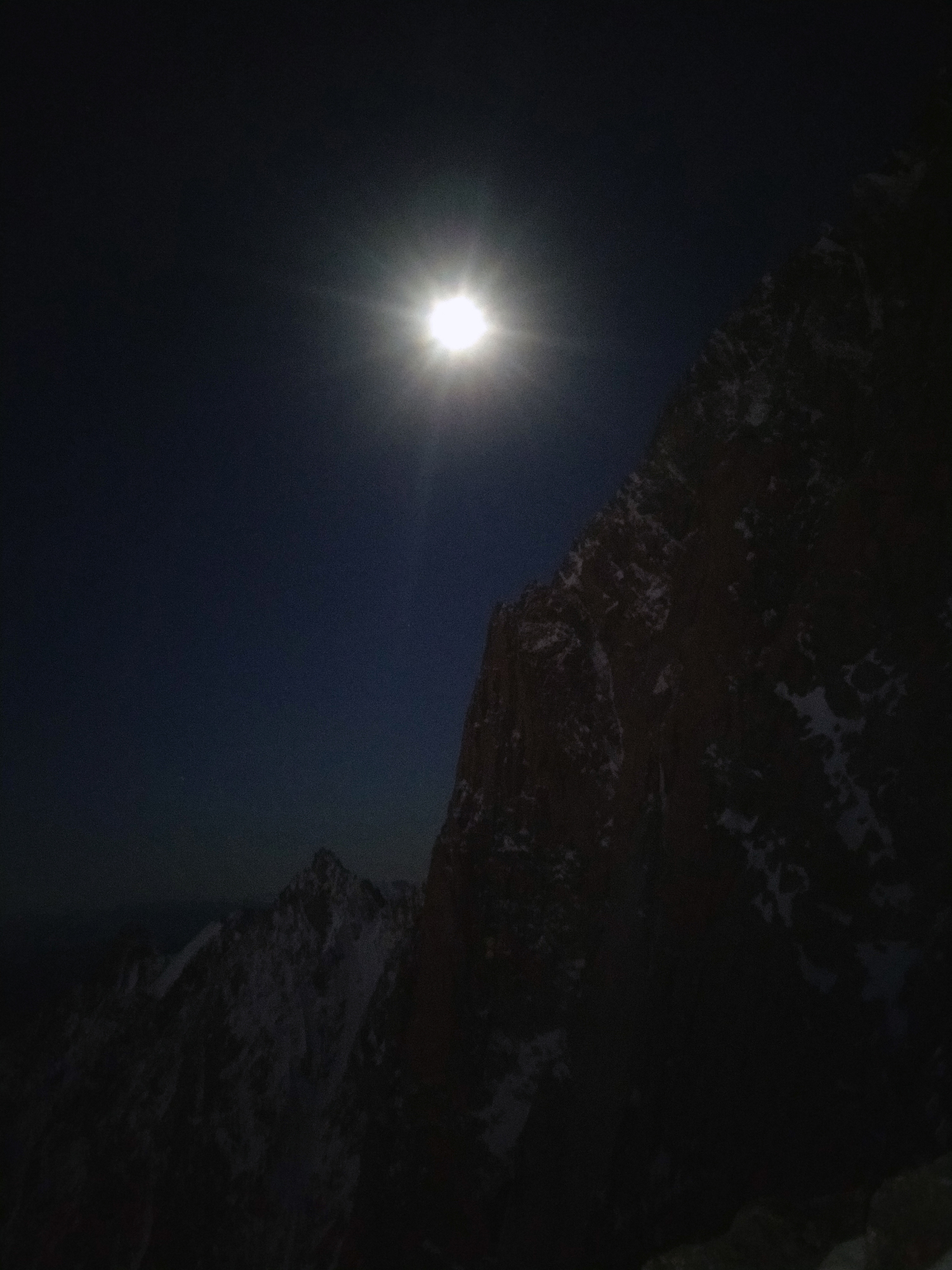 Luna piena sul Pilastro Rosso